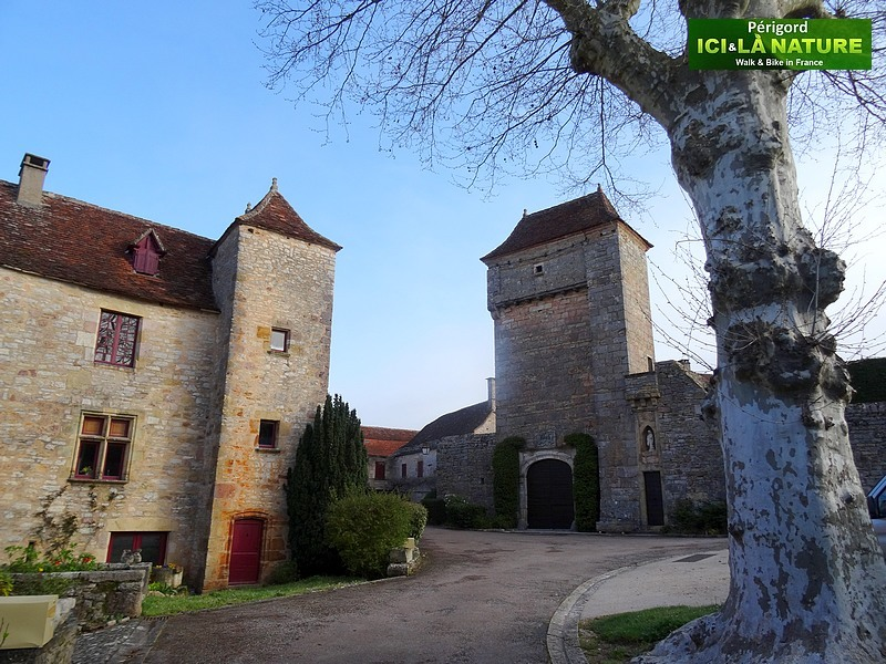 07-walking-picturesque-village-france