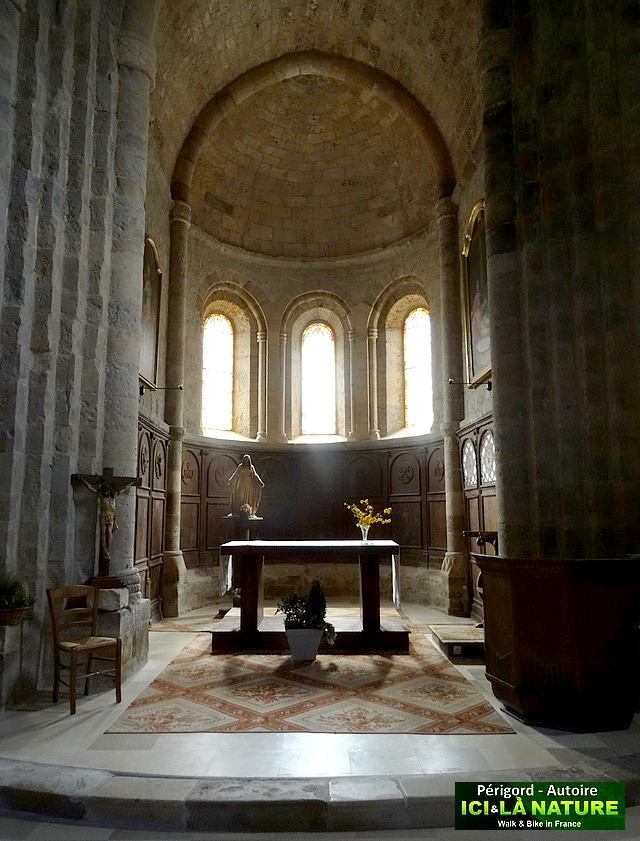 10-church-in-perigord-france