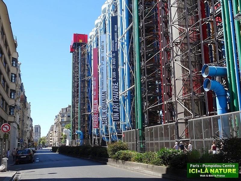 16-paris-walking