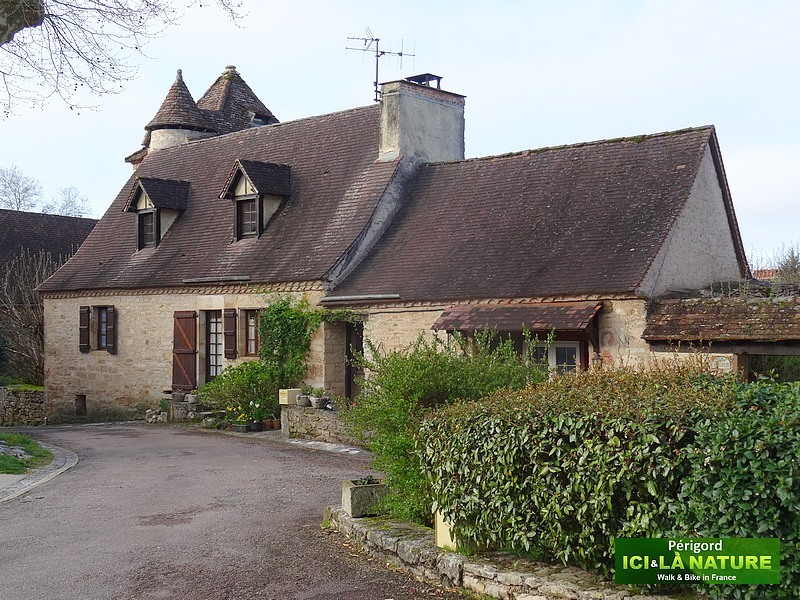16-walking-perigord-authentic-villages