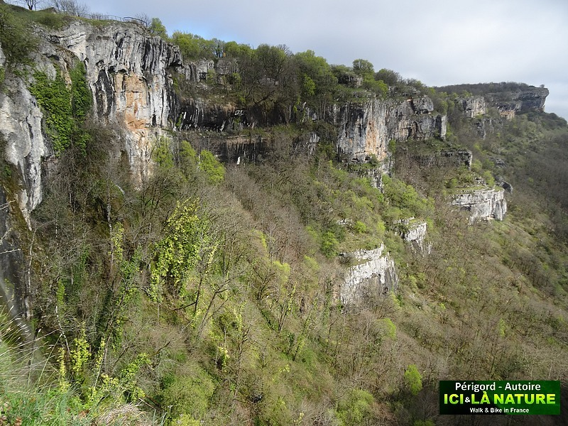 22-walk-holidays-in-france