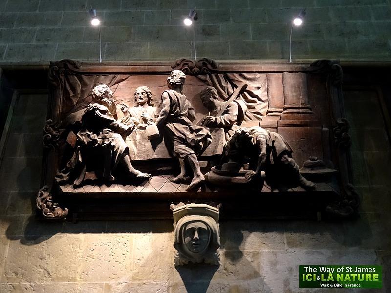02-church-on-st-james-way-france