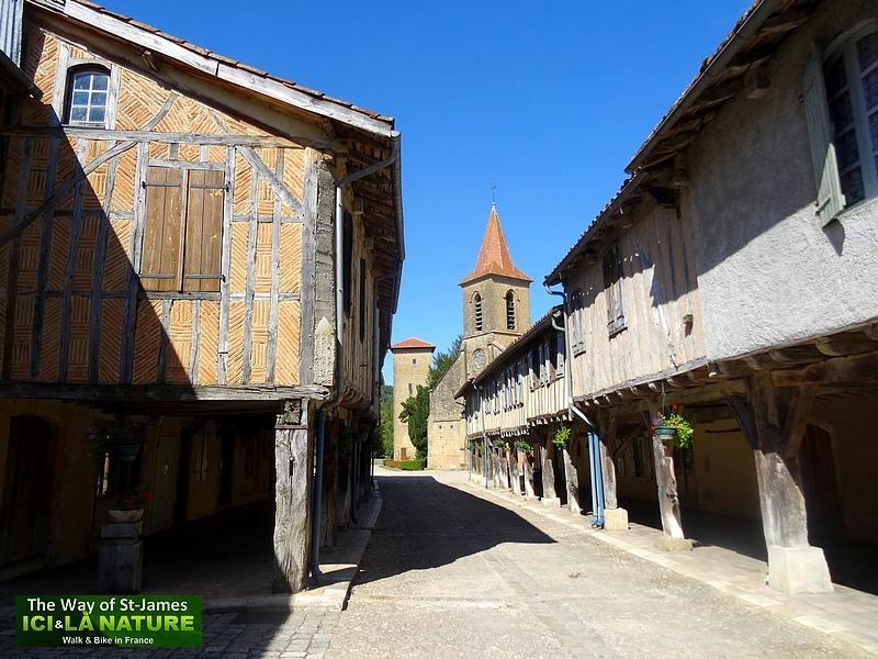 14-medieval-village-near-marciac-tillac