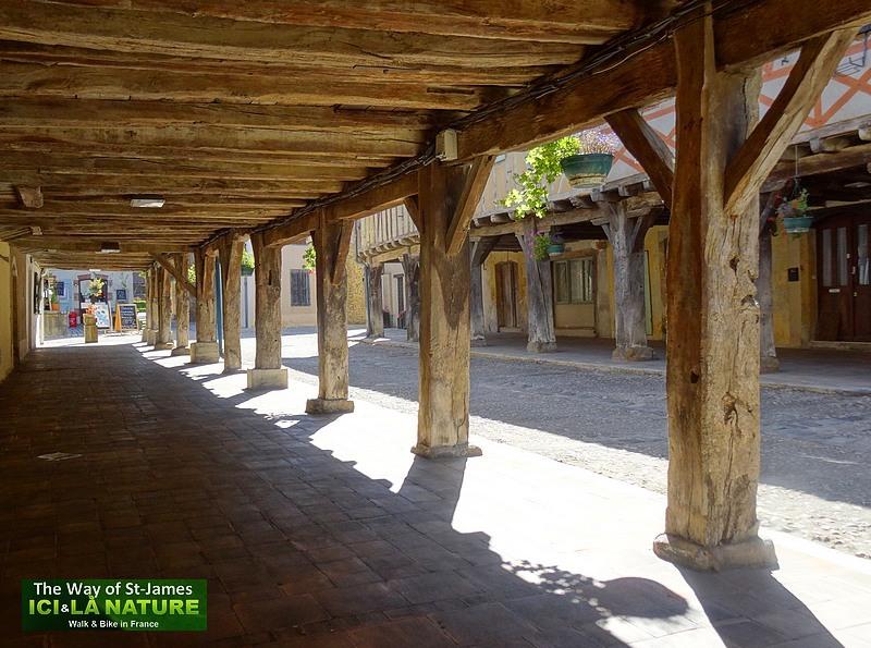 17-medieval-village-arles-route