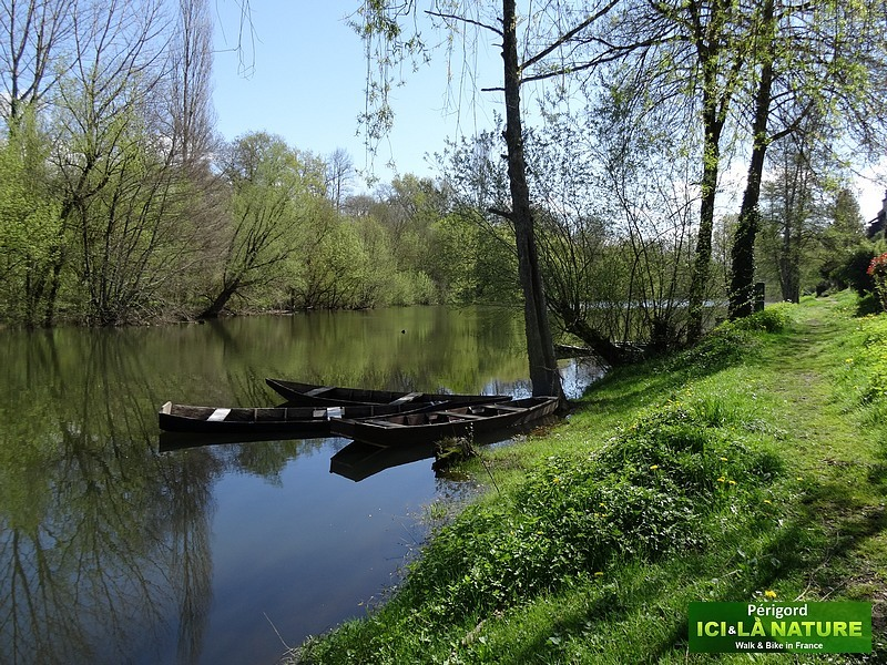 26-walking-tour-dordogne-france