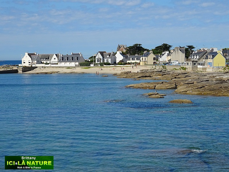 10-walking-holidays-brittany-france