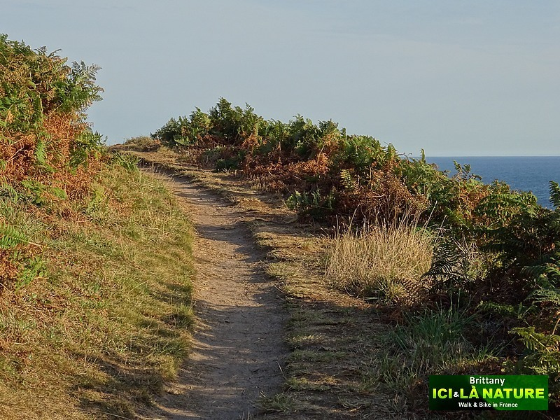 11-walk-french-coast-brittany