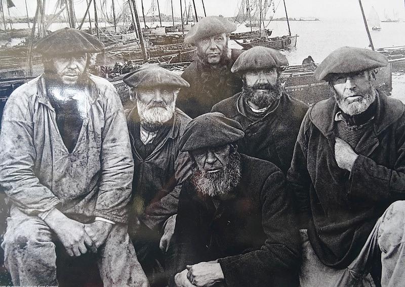 12-brittany-old-fishermen