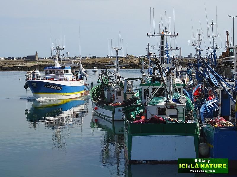 27-wher-pretty-harbor-brittany