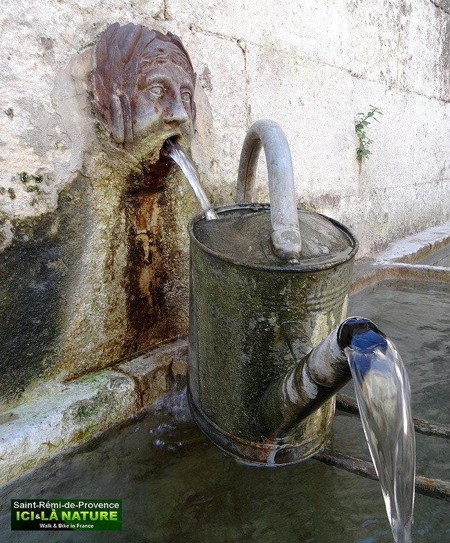 31-fountain-provence