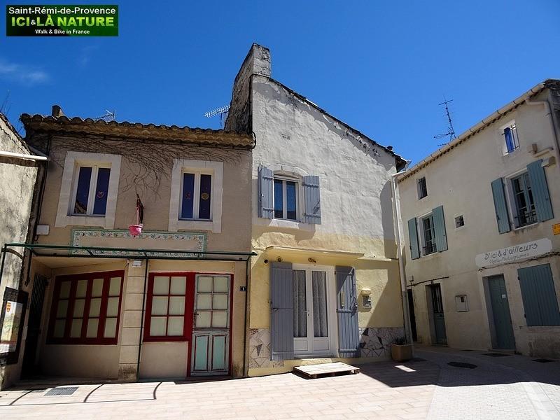 52-provence-village-light