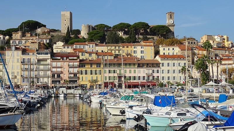 French Riviera and Cannes :  The old town and the Port ; 30 photos