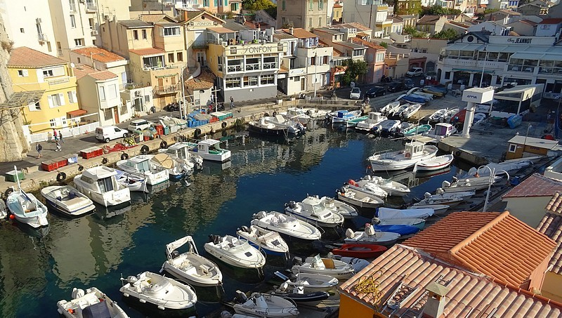 Marseille : Vallon des Auffes – A charming tiny fishing port in the heart of the city-30 photos.