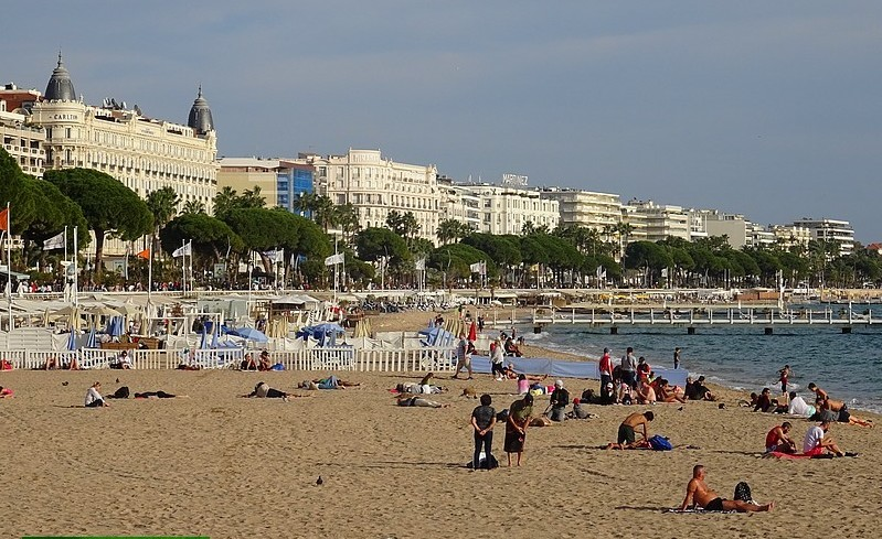 French Riviera – Cannes : The Croisette Promenade – 20 photos