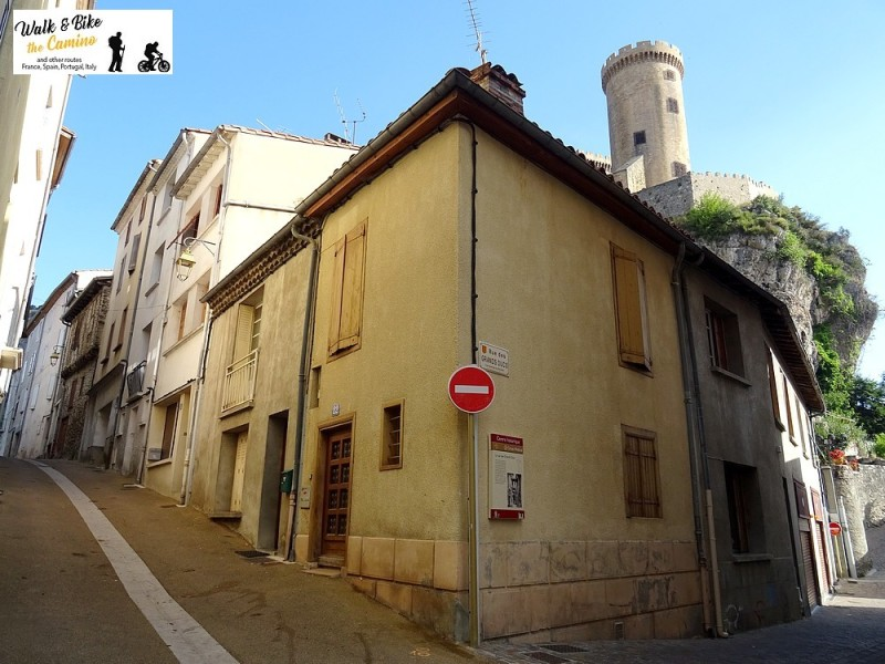 16-old town street foix castle